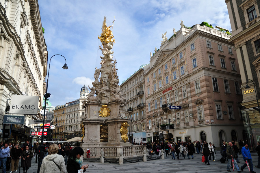 DARIO OWEN in Vienna