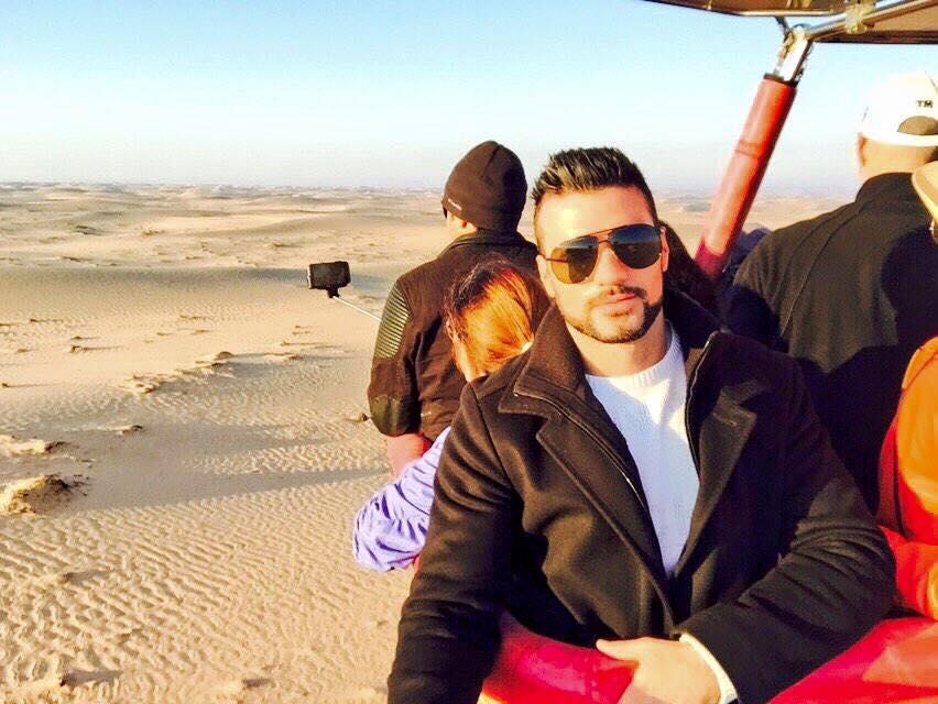 Darío Owen en globo en Dubai